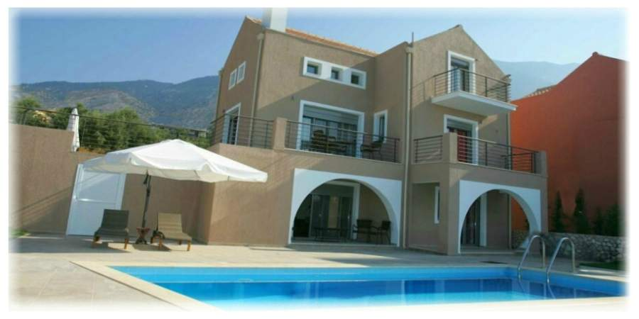 4 people villa with private pool image